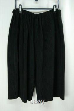 HOMME PLISSE ISSEY MIYAKE Black Men's Half Pants size3 338 0011