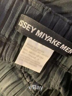 Issey Miyake Men AW12 Pleated Black Trousers / Size 2 (US M)